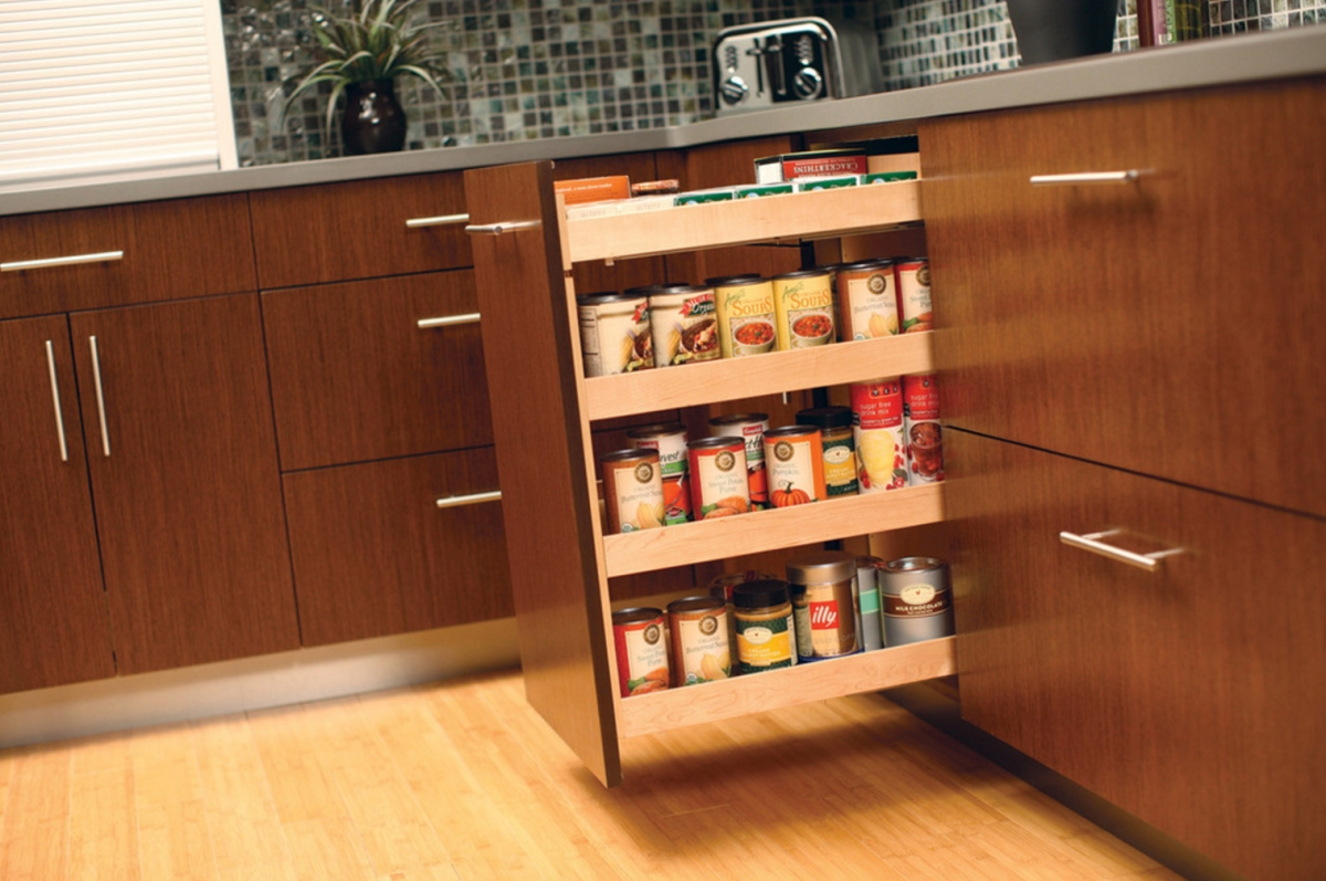 Kitchen pull-out storage solution