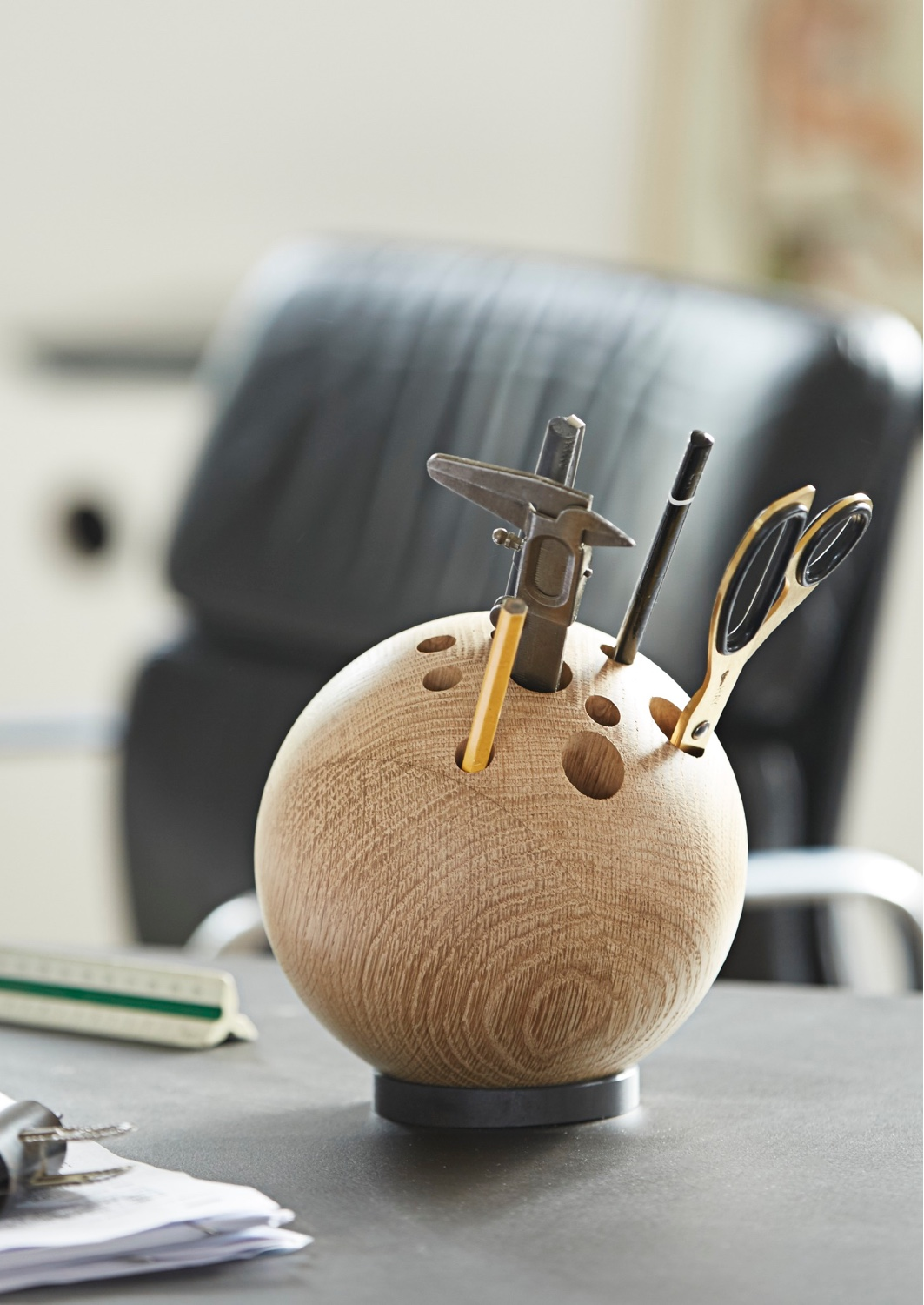 Lebowski by Danish cabinetmakers The Oak Men is perfect as a desk tidy or a decorative vase. Image © the_oak_men.