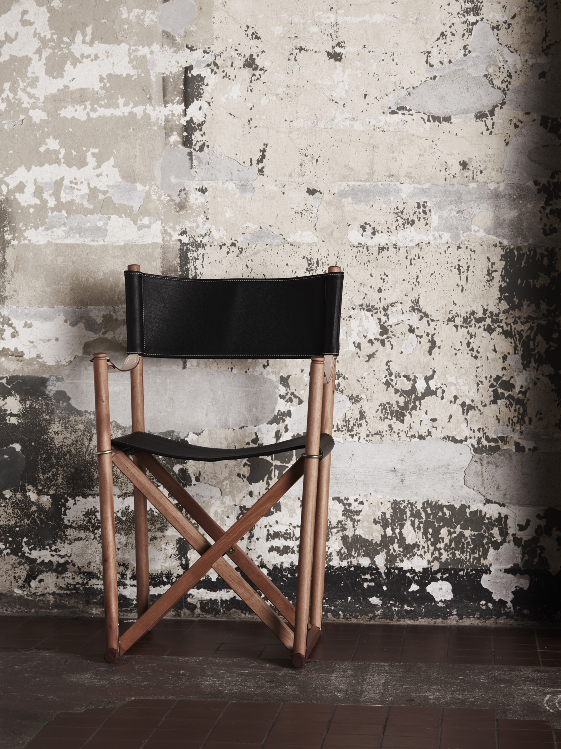 Mogens Koch's Folding Chair. Seat and backrest pictured in leather. Image courtesy of Carl Hansen & Søn.