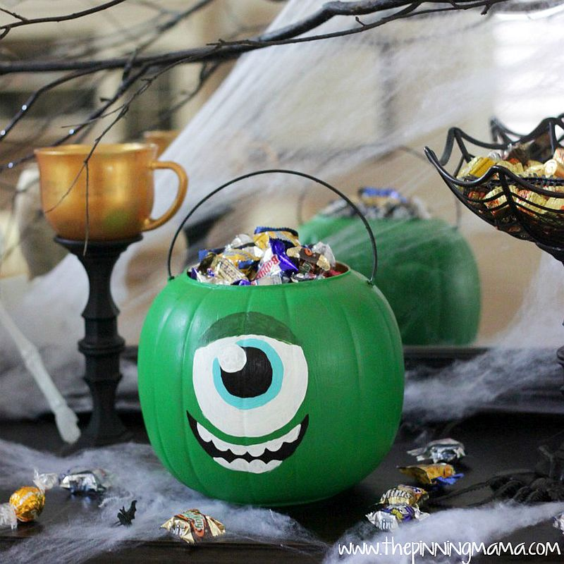 Monsters University inspired pumpkin trick or treat bucket [From: the pinning mama]