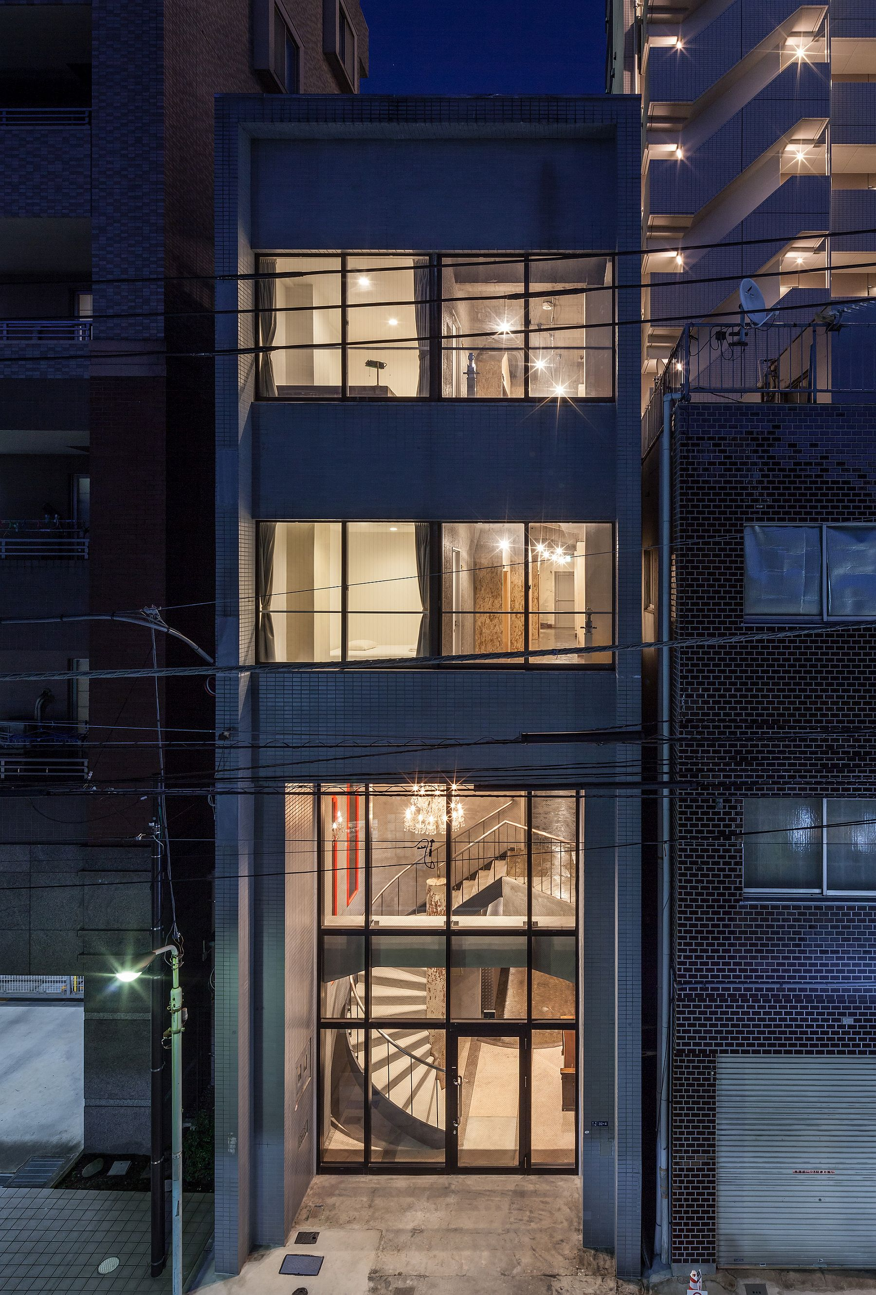 Narrow building relies on vertical space to provide smart sleeping quarters