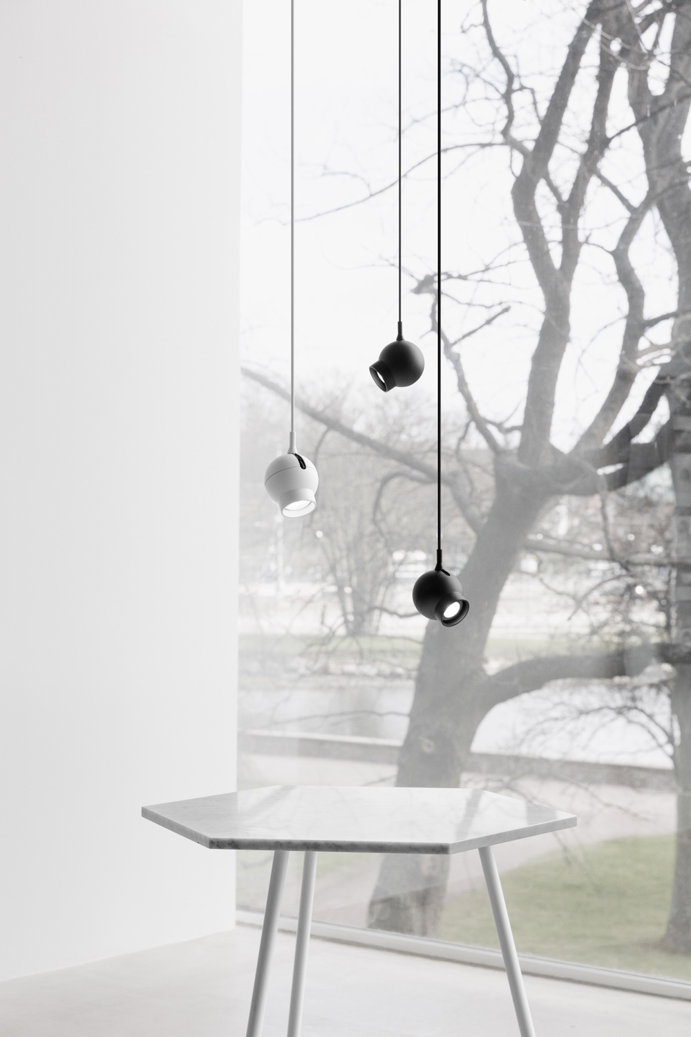 Ogle Mini cluster (black and white) by Form Us With Love for ateljé Lyktan. Image courtesy ofateljé Lyktan.