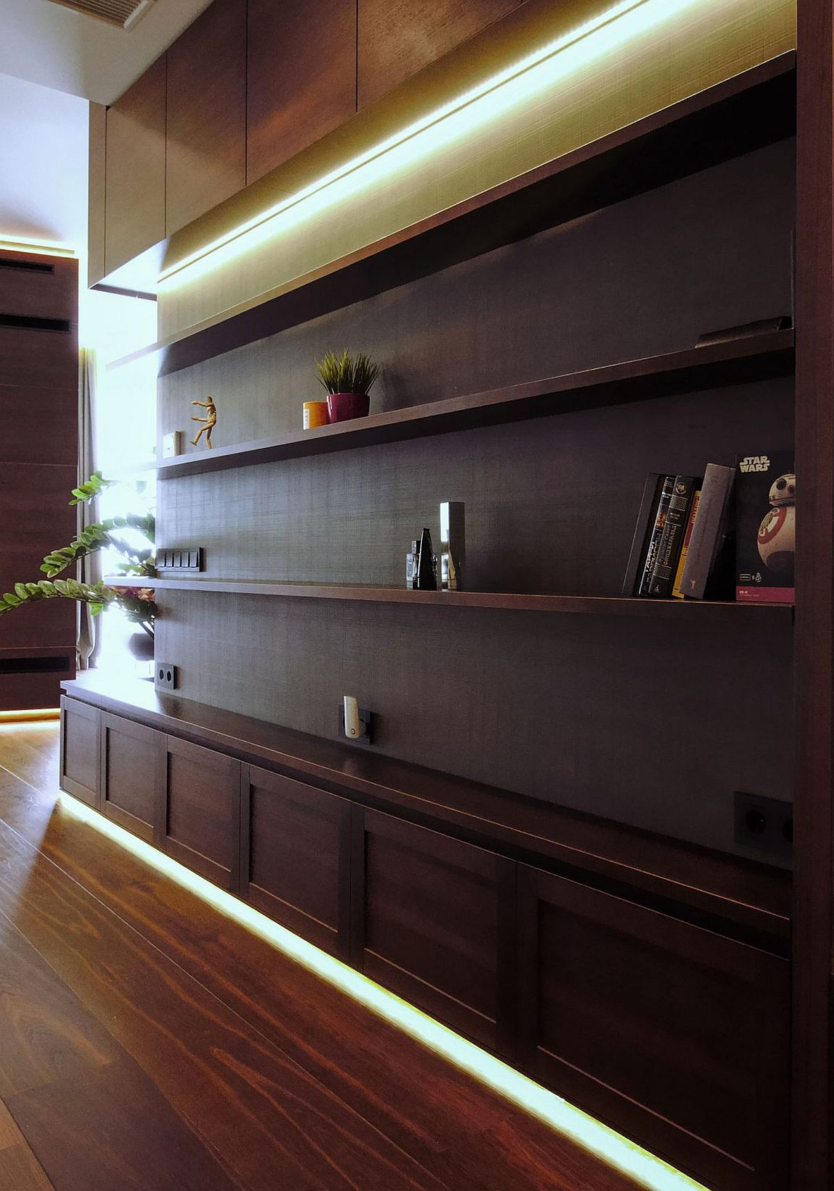 Decorating in style with natural earth tones private home for Open shelves in living room