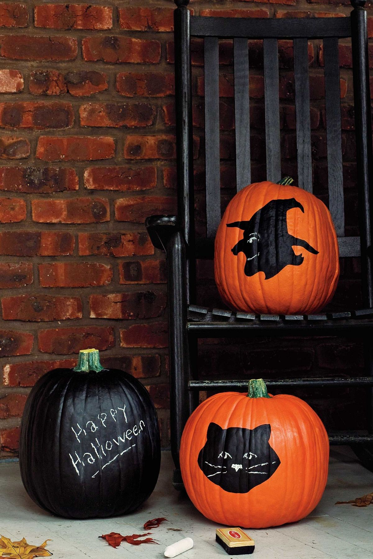 Painted pumpkin idea with chalkboard paint and cool motifs