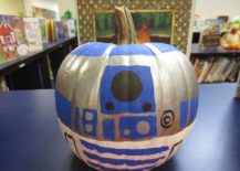 R2D2-Halloween-pumpkin-can-be-even-crafted-by-kids-217x155