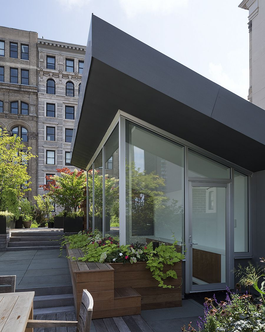 Roof garden and hangout of the Manhattan home