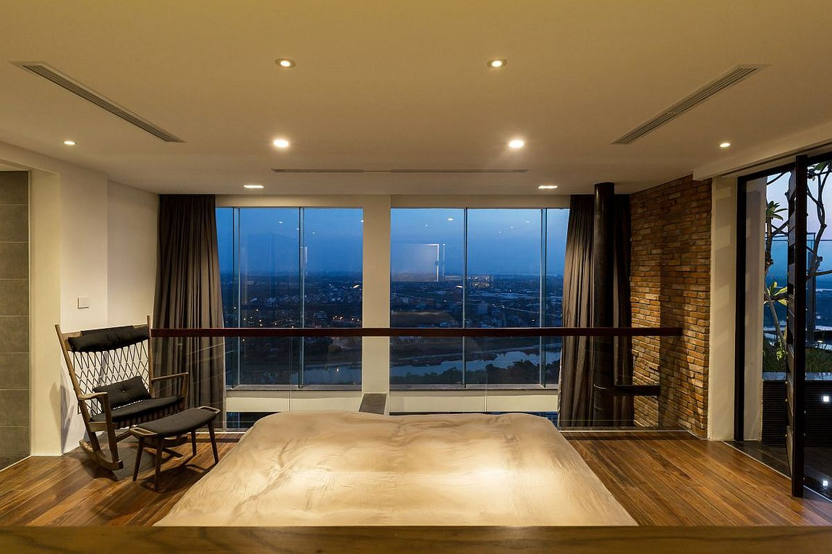 Sitting area next to the master bedroom of the penthouse