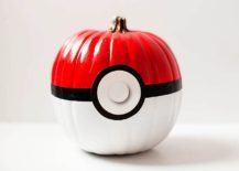 The-cool-Pokeball-pumpkin-is-easy-to-create-and-a-hit-among-DIY-lovers-217x155