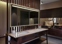 Traditional-and-modern-touches-combined-using-a-gorgeous-bathroom-vanity-217x155