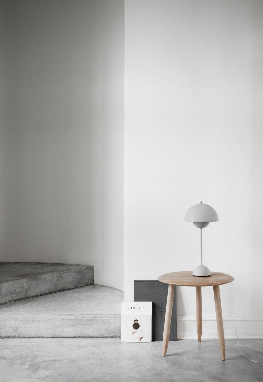 VP3Flowerpot table lamp.