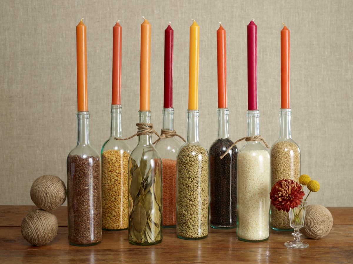Wine bottle centerpiece idea for Thanksgiving