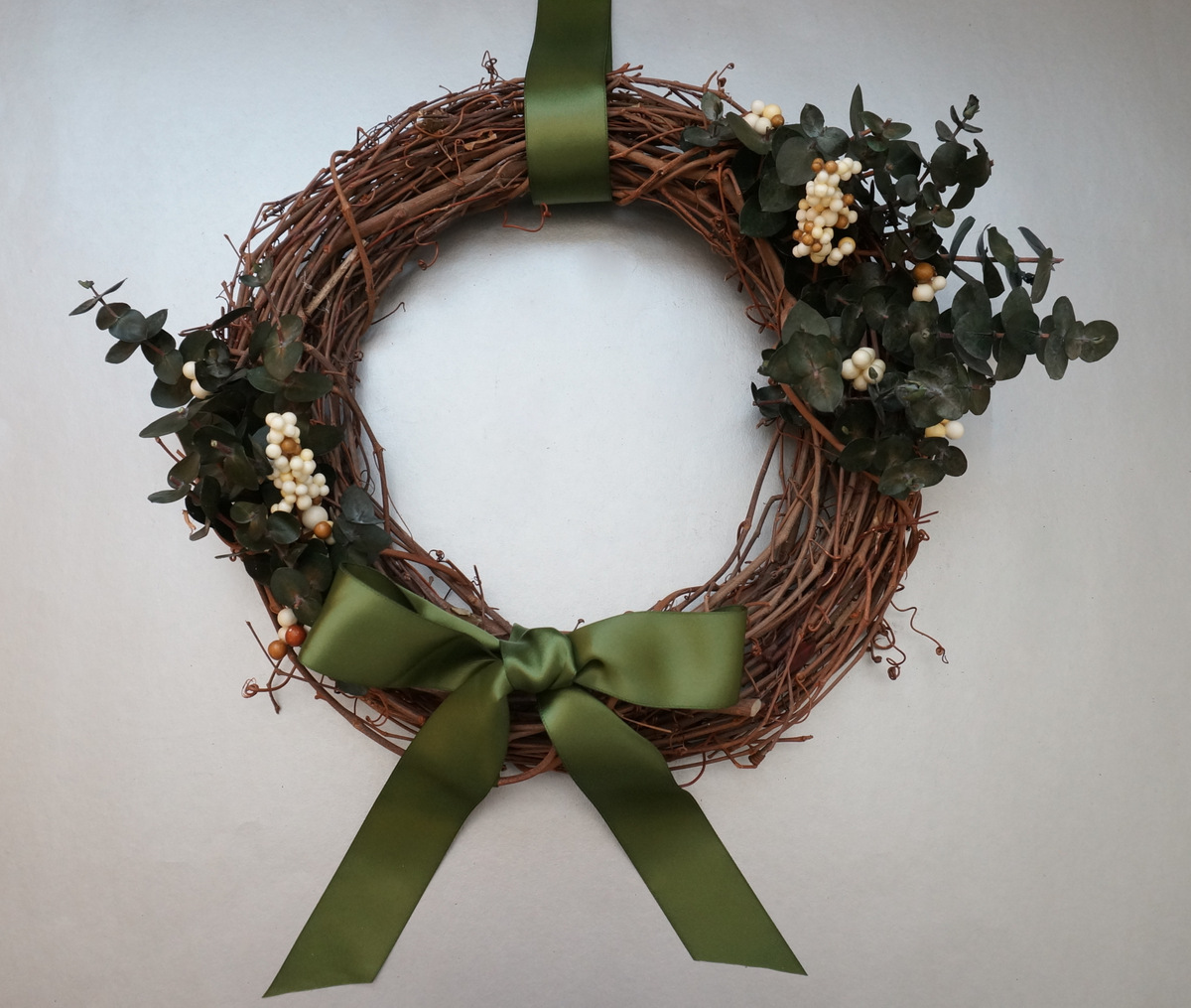 A DIY holiday wreath