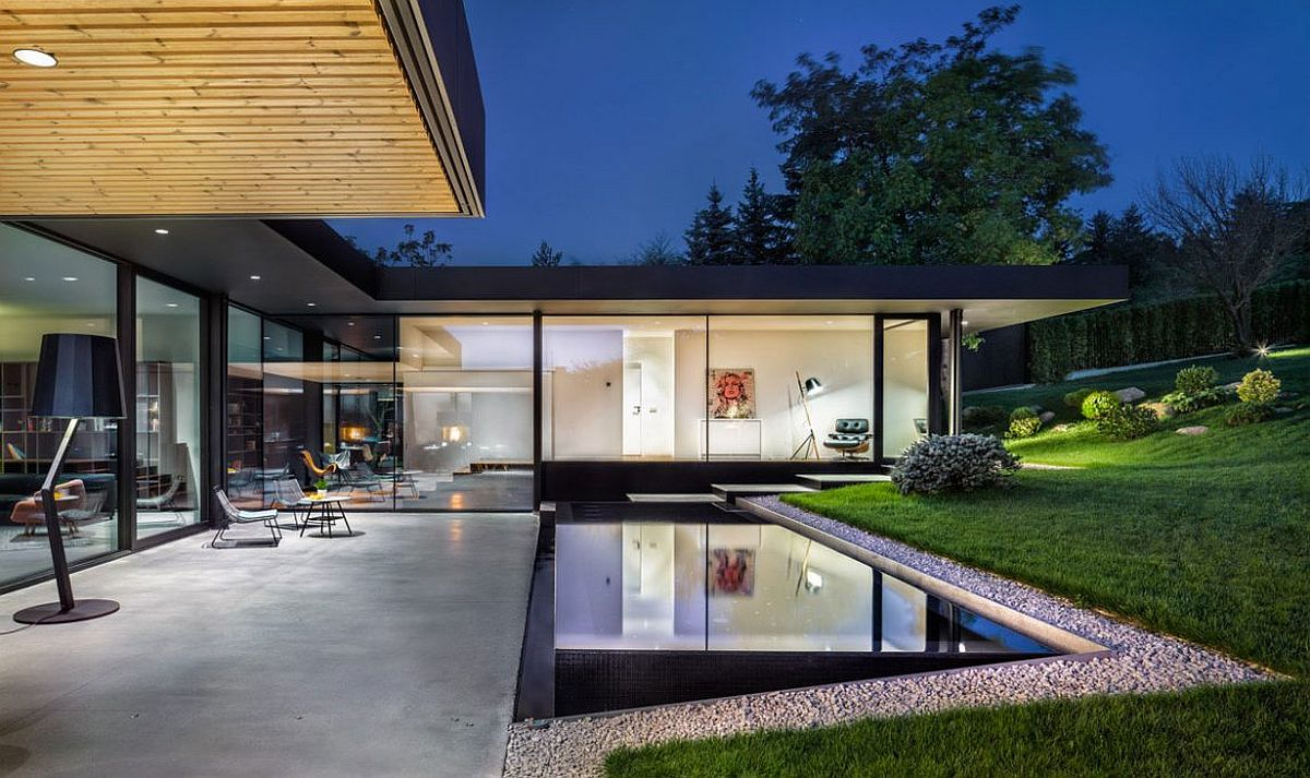 A look at the sleek and stylish swimming pool of the Pagoda House