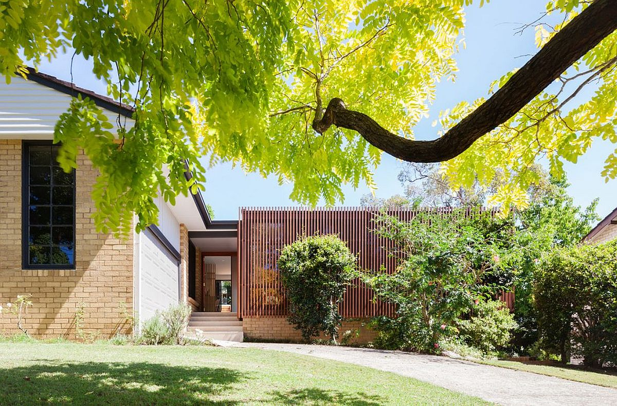 Carefully concealed street facade of Escu House in Sydney