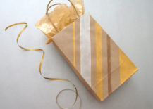 DIY gift bag with stripes