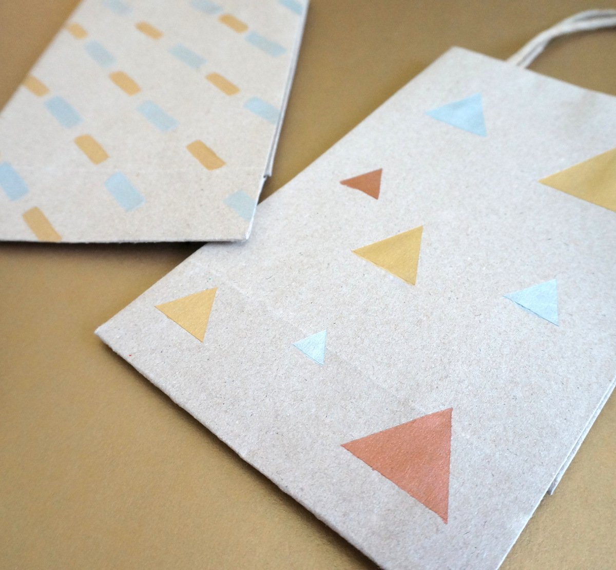 DIY triangle gift bag
