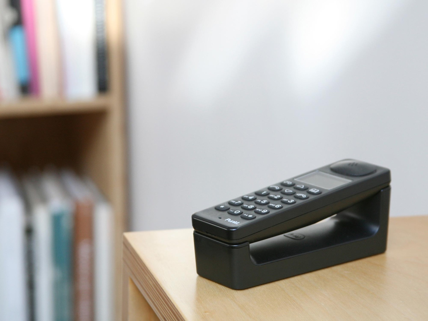 DP-01 Dect Phone (2010). A cordless phone designed for Punkt.