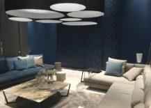Deep blue meets beige in a modern bedroom