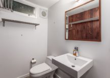 Elegant and simple bathroom desin in white