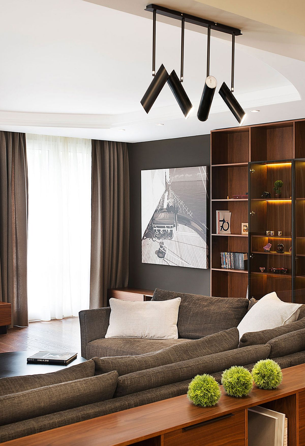 Fabulous track lights and LED lighting for the living and family room