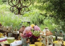 Give-the-outdoor-Thanksgiving-dinner-party-a-rustic-touch-217x155