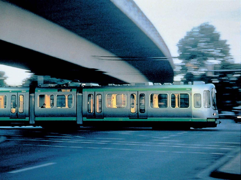 Hannover Tram (1997). Photo:Miro Zagnoli / Üstra.