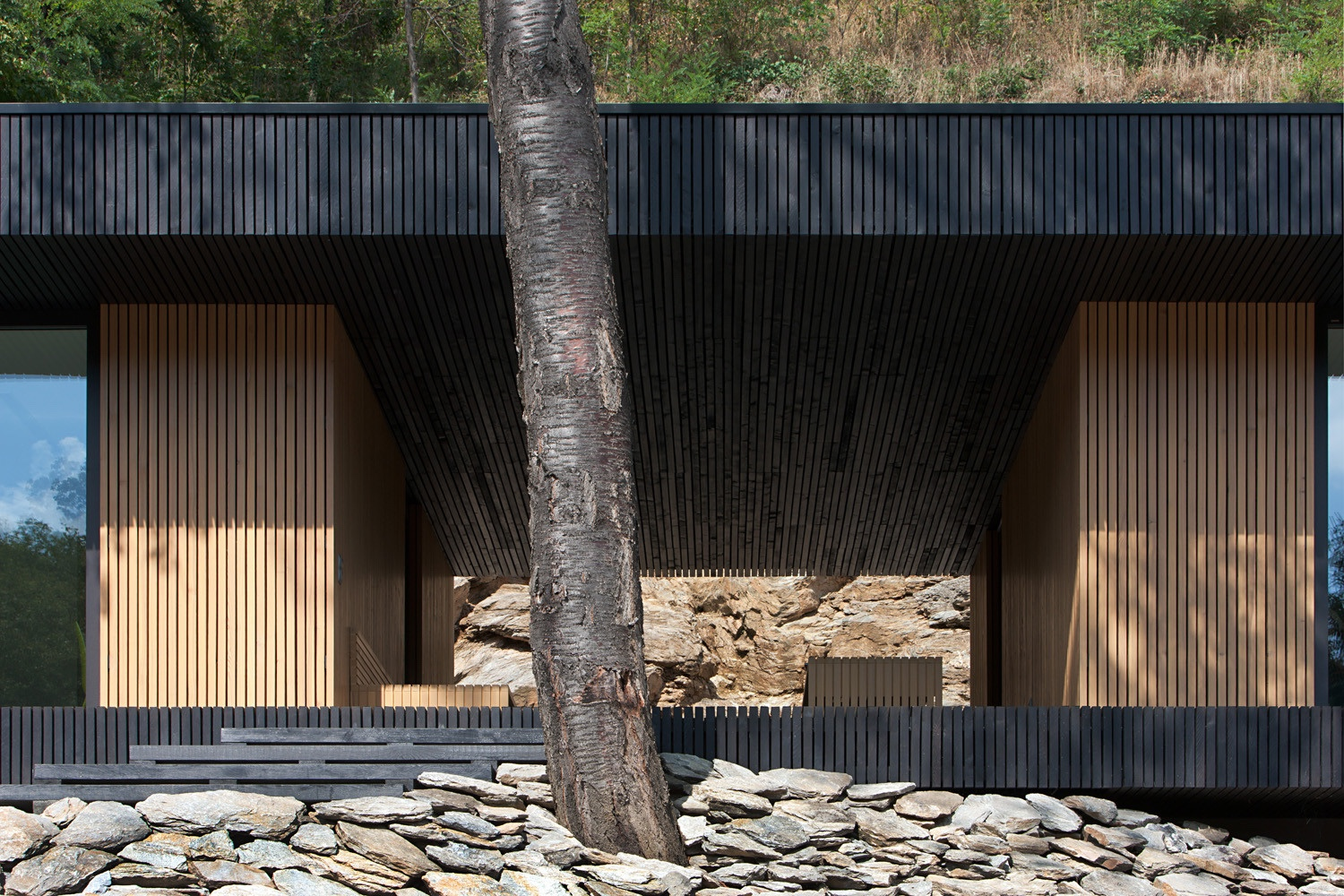 Hideg House makes the most of its natural surroundings.
