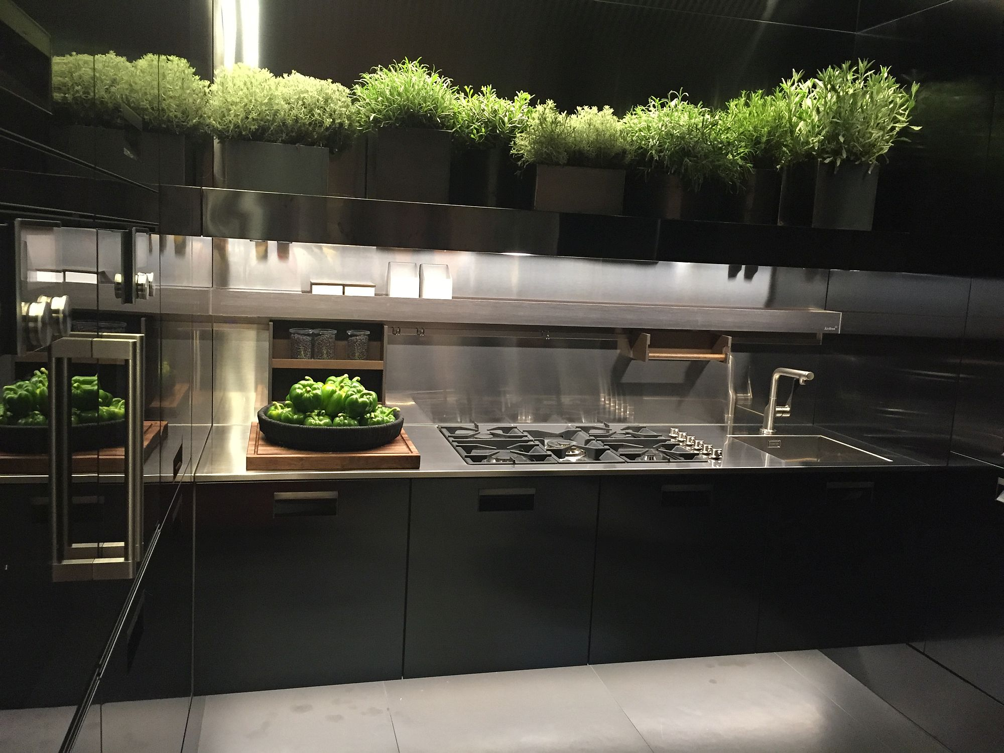 Kitchen decorating idea for those who love their herbs and green vegetables!