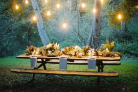 Awesome Thanksgiving Table Settings That Take the Party Outdoors!