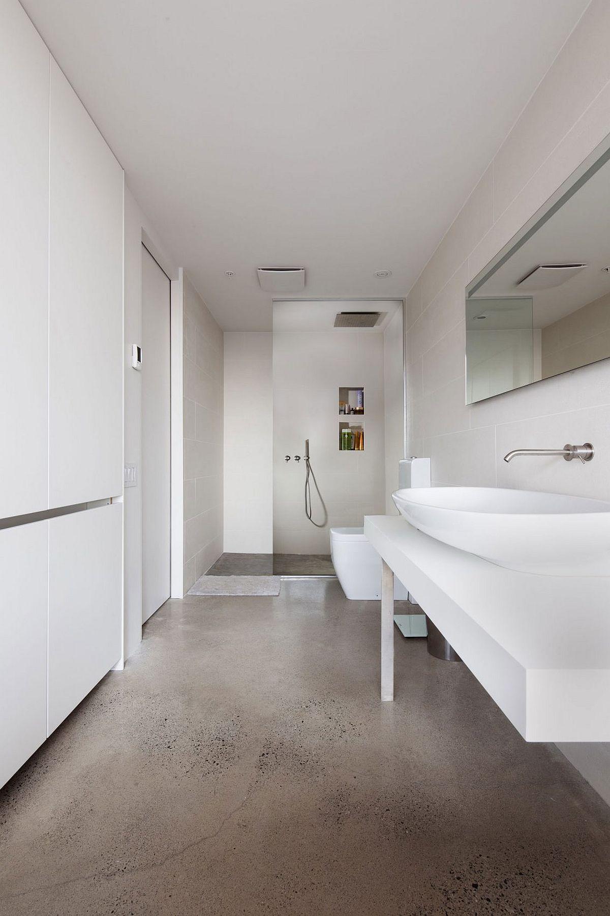 Minimal modern bathrooom in white