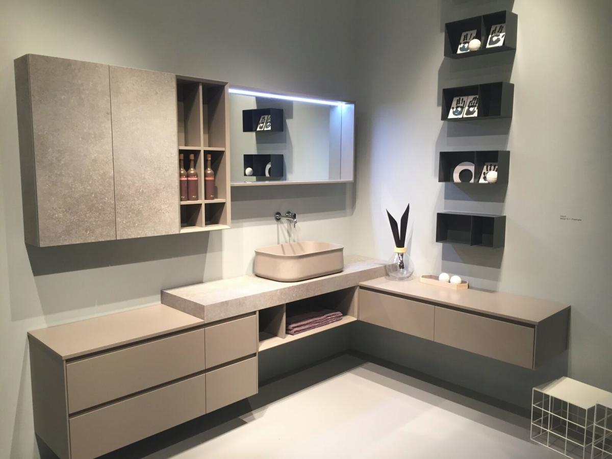 Modern bathroom design in beige