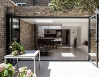 Light, Space and a Cheerful Family Zone: Modern Extension of London Home