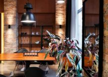 Modern-industrial-dining-room-with-open-shelves-in-the-backdrop-217x155