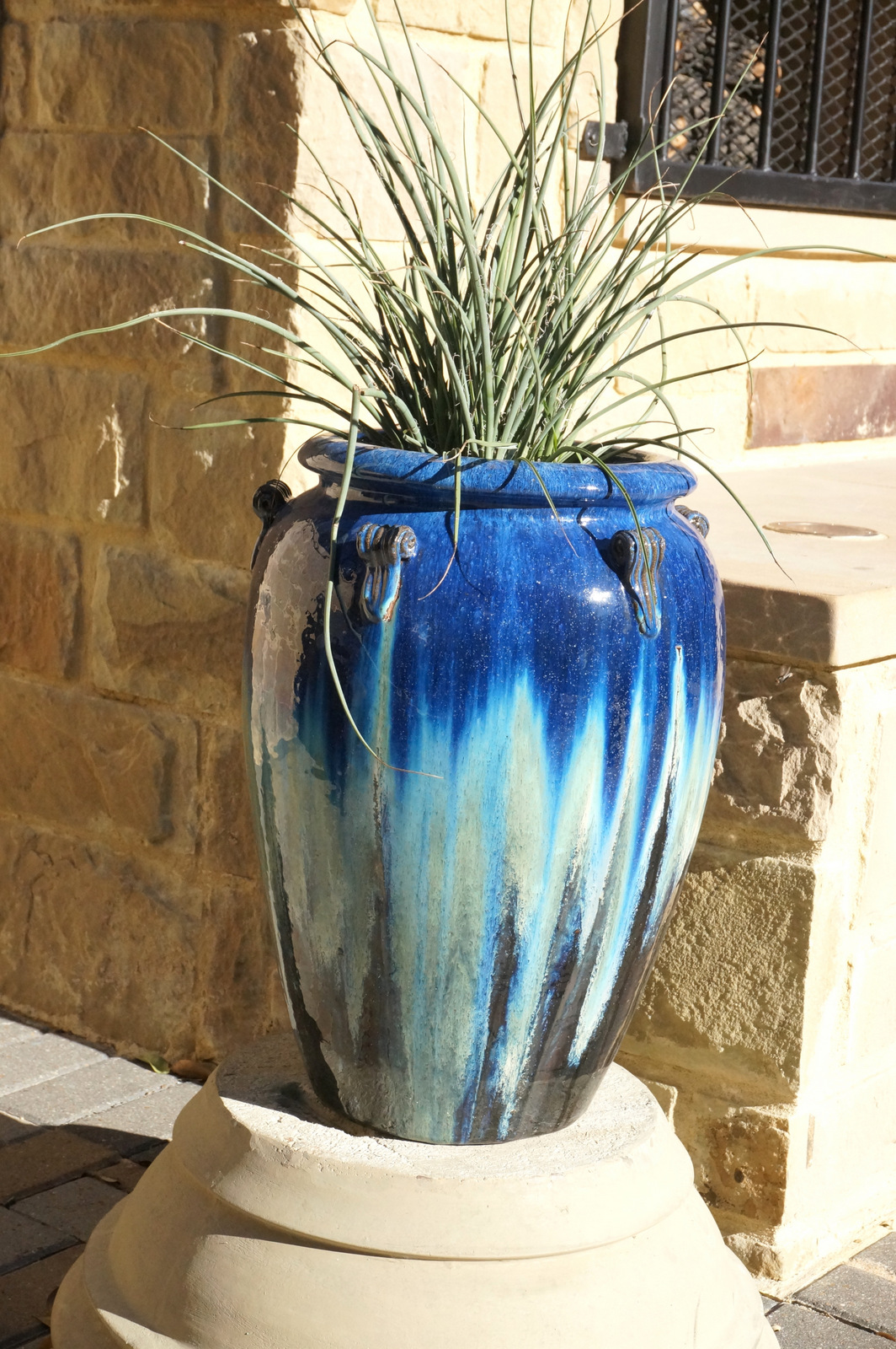 Outdoor glazed pot