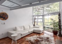 Sectional-in-the-white-living-room-adds-to-its-color-scheme-217x155