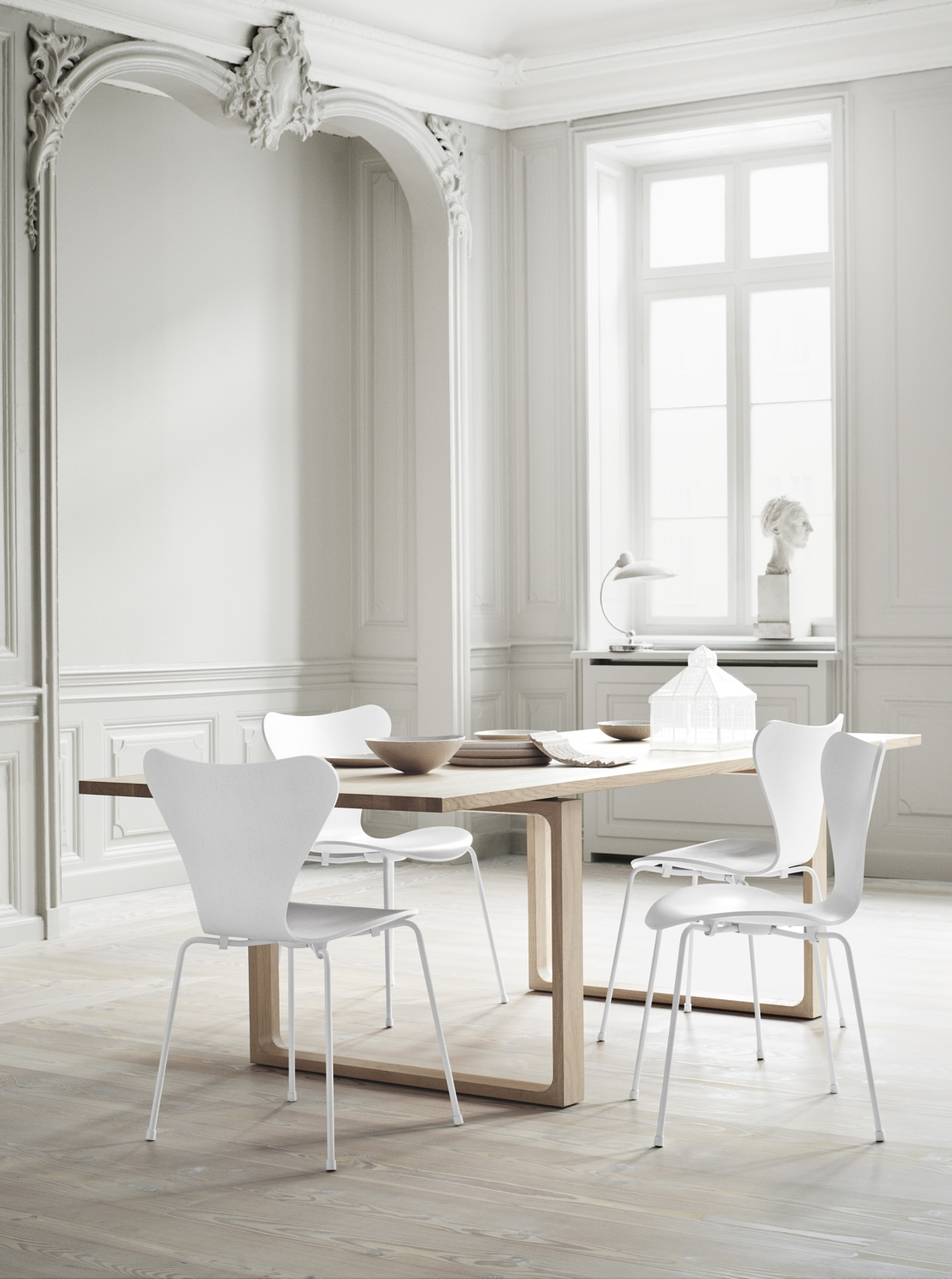 Series 7™ in white.Photo byDitte Isager.