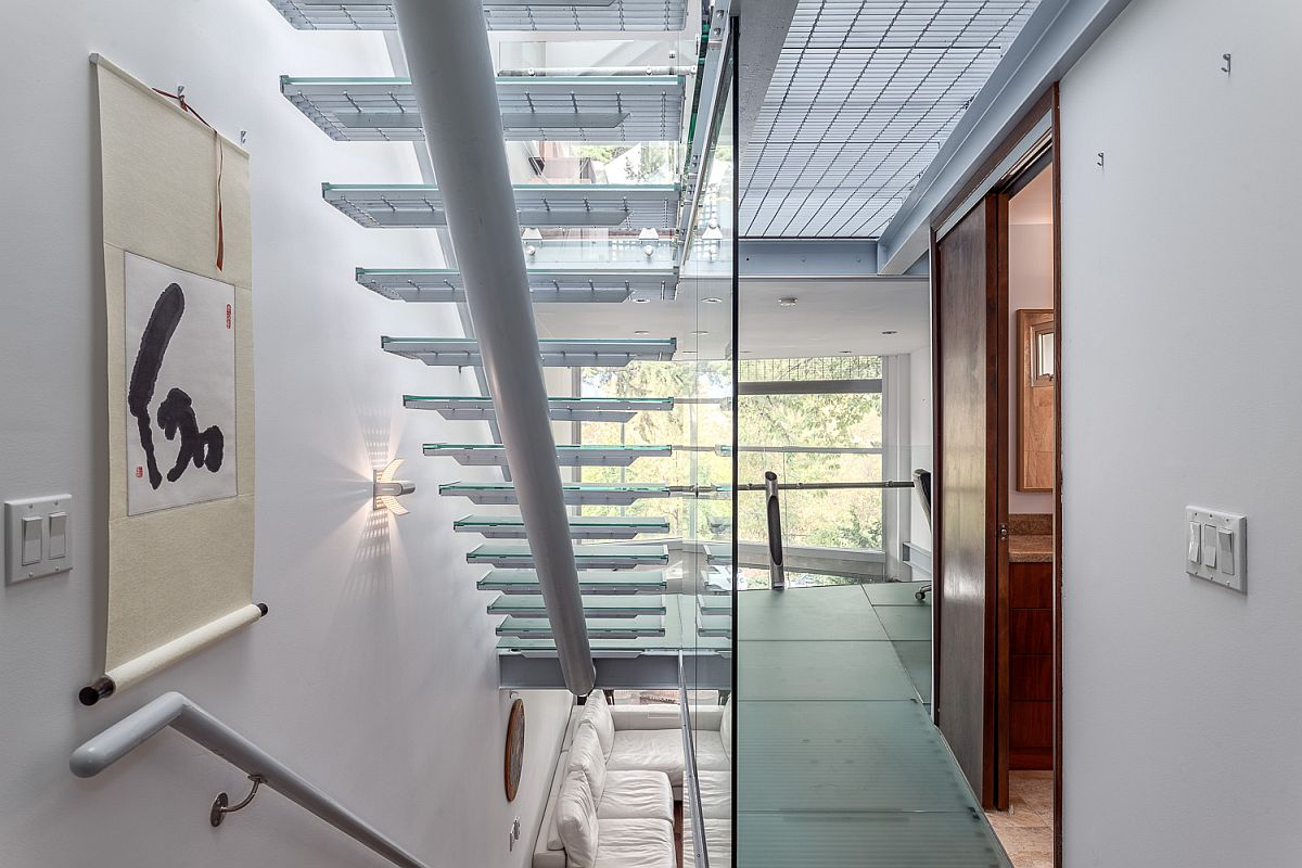 Steel and glass railing and stairs design