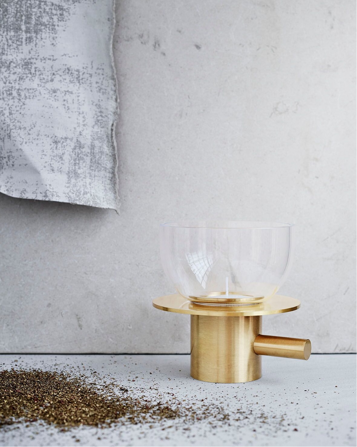Brass tea light holder. Image © Republic of Fritz Hansen 2016.