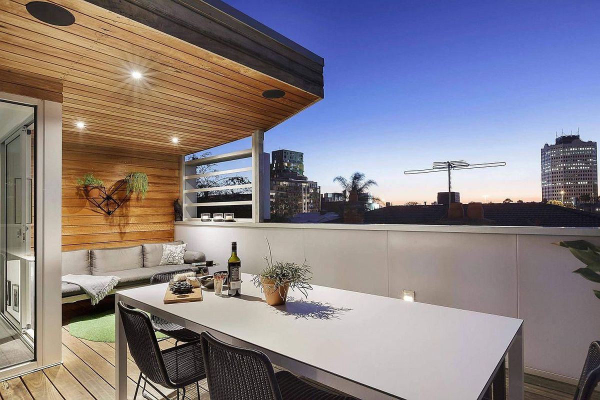 Terrace hangout and al fresco dining with city view
