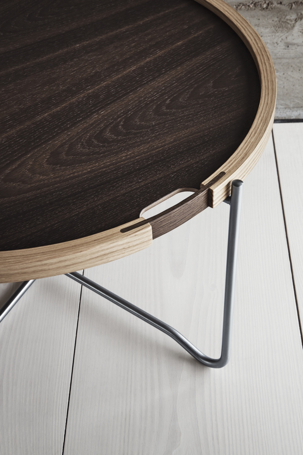 CH417 tray table with the smoked oak tray facing up.