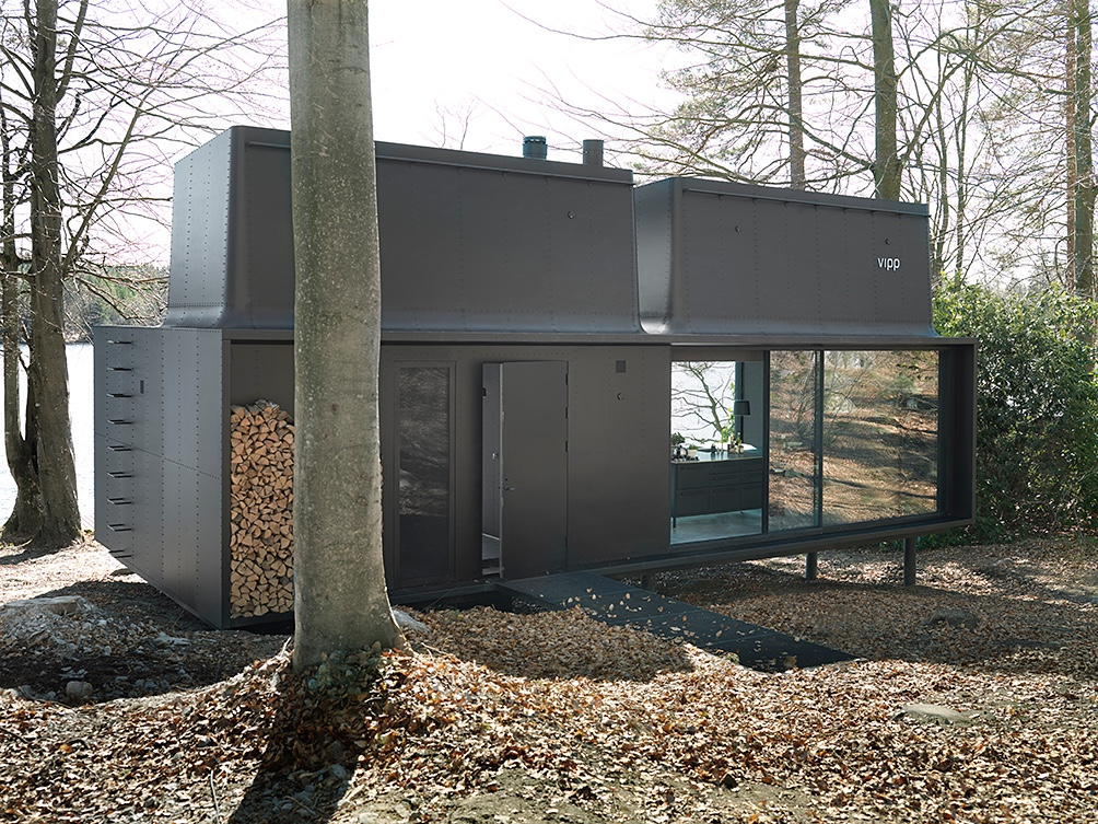 The Vipp Shelter's modern edifice sits in perfect harmony with nature.