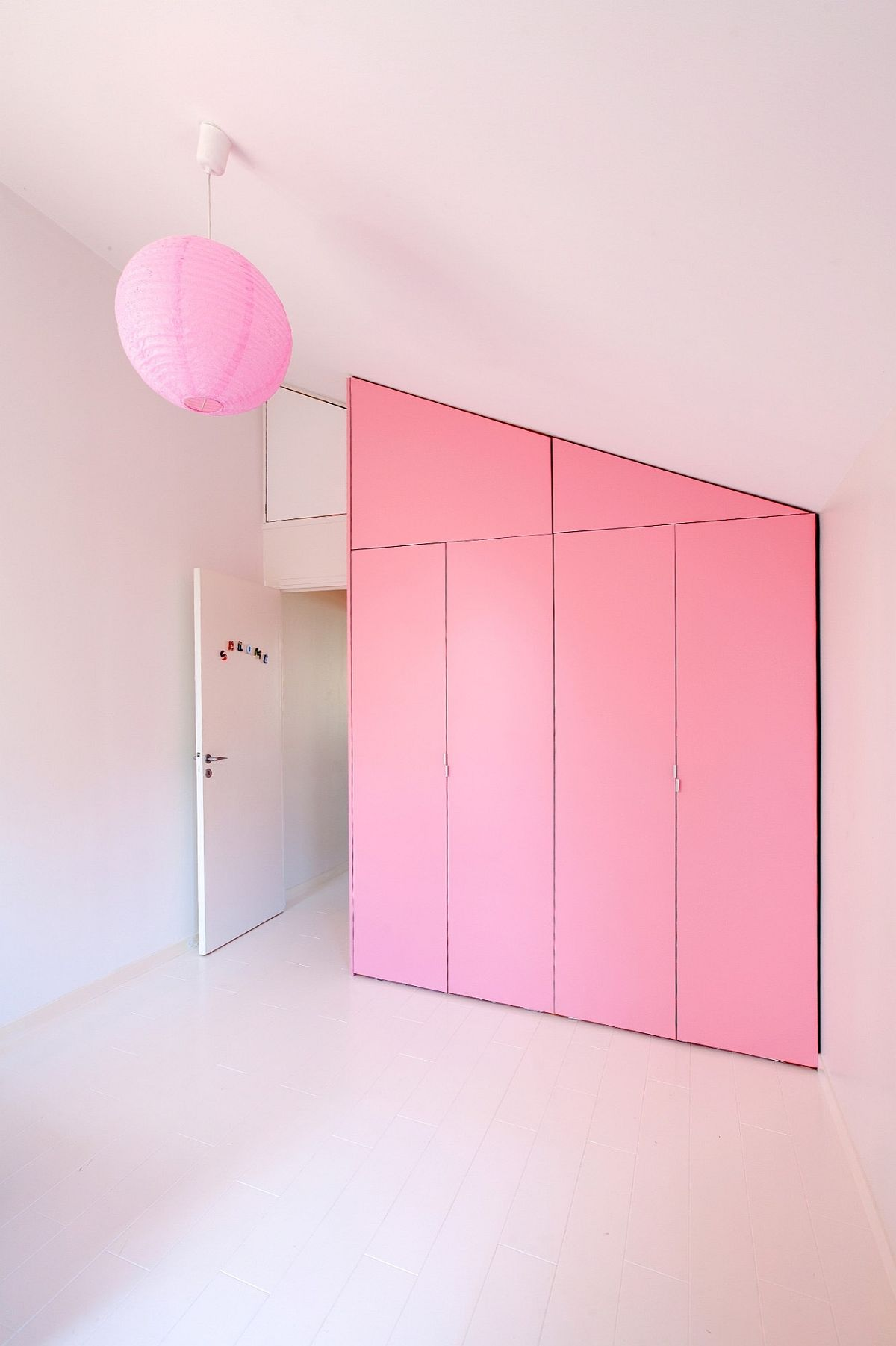 Wall of pink for the Kids' bedroom