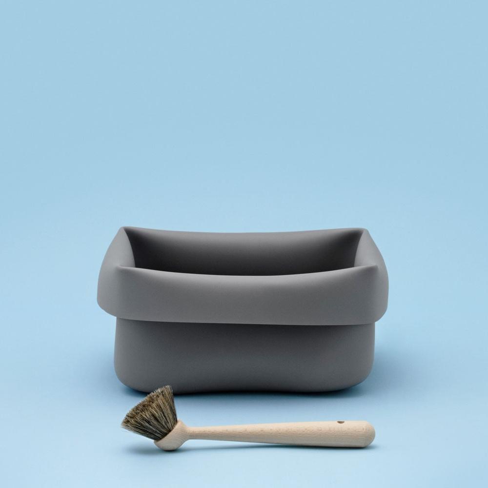 Washing-up Bowl & Brush. Image© 2016 Normann Copenhagen ApS.