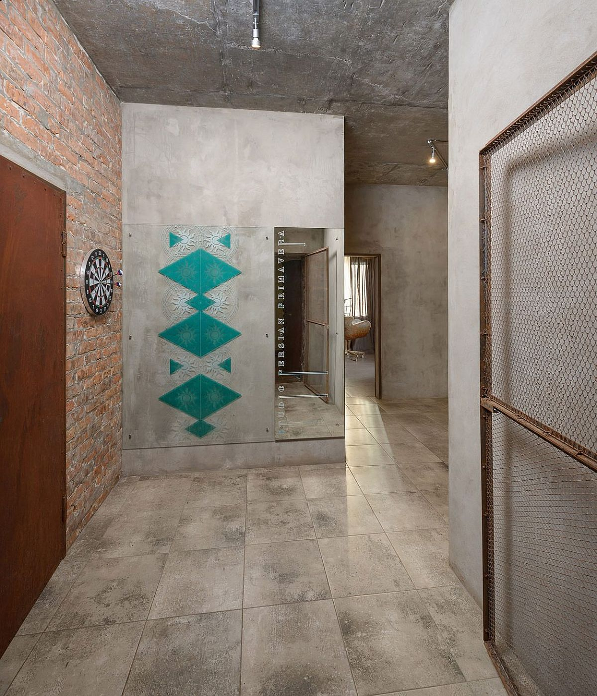 Affordable home in Kiev inspired by Iranian art and tradition