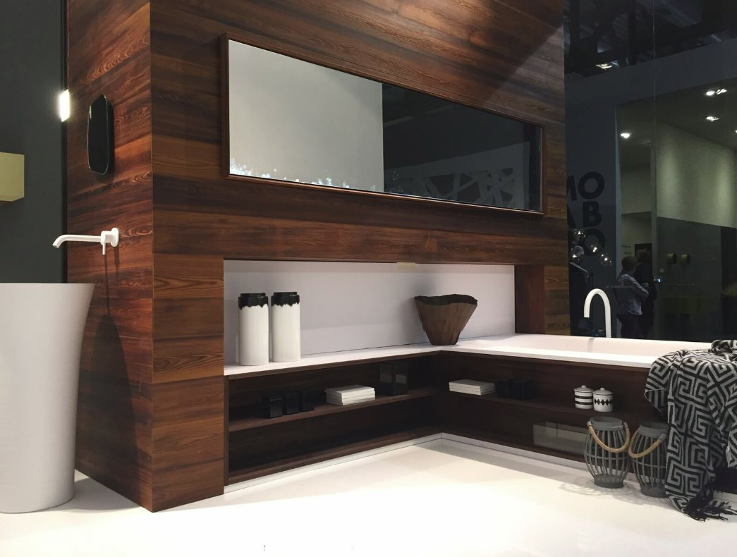Black and white meet brown in this modern bathroom