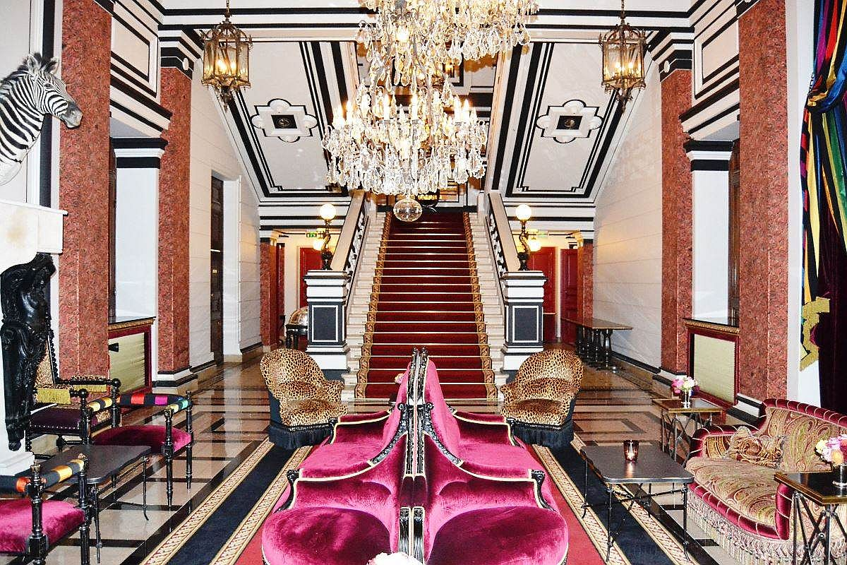 Chic and glamorous lobby at Saint-James Paris