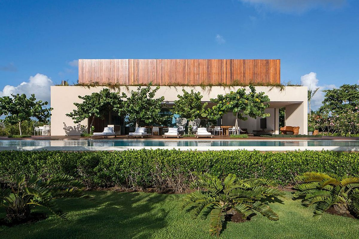 Contemporary Brazilian home on a remote beach