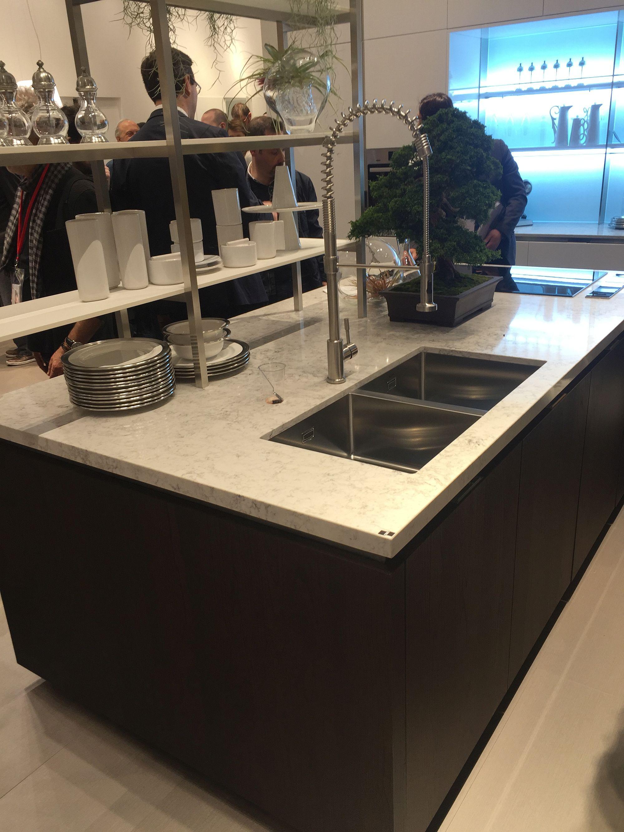 Dark kitchen cabinets bring contrast to the contemporary kitchen