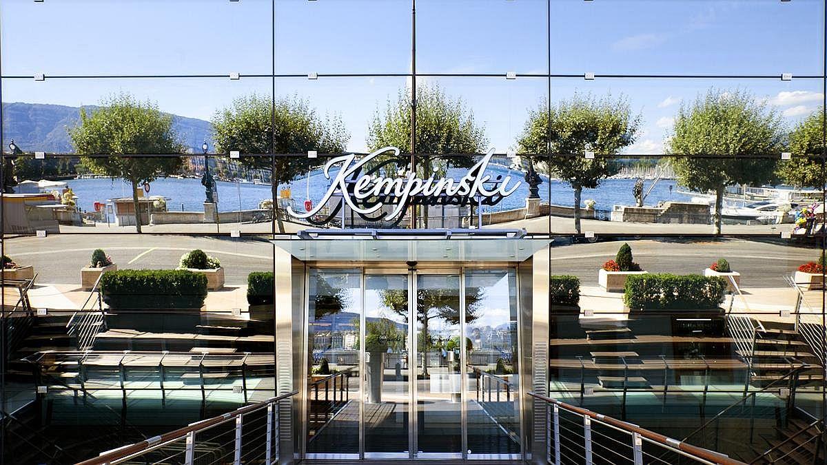 Entrance to the Grand Hotel Kempinski Geneva
