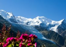 Explore-the-worlds-best-ski-slopes-at-this-luxury-hotel-in-Chamonix-217x155